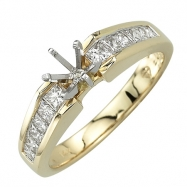 Yellow Gold Princess Cut Diamonds Semi-Mount